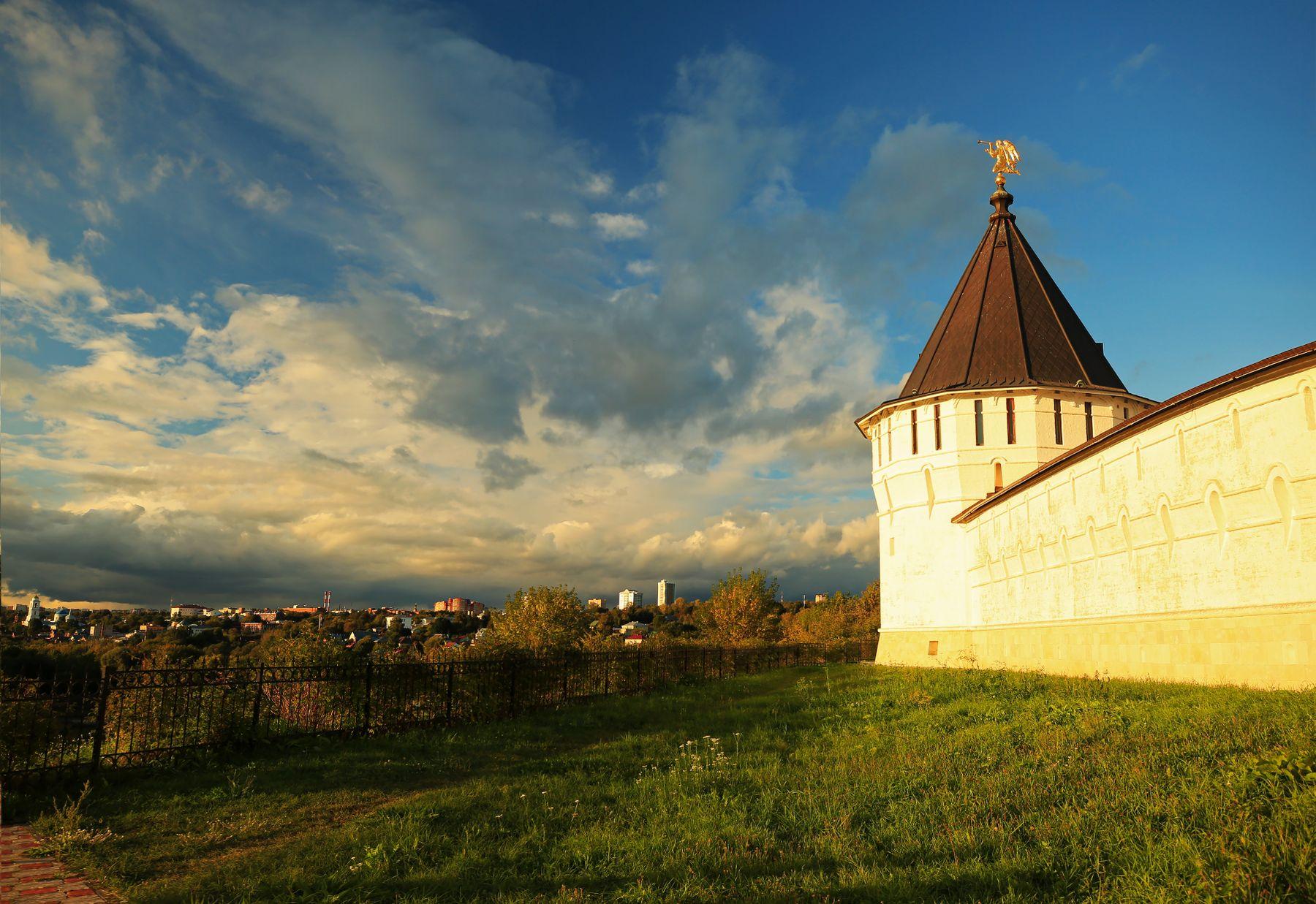 Вечер в Серпухове Серпухов Высоцкий монастырь