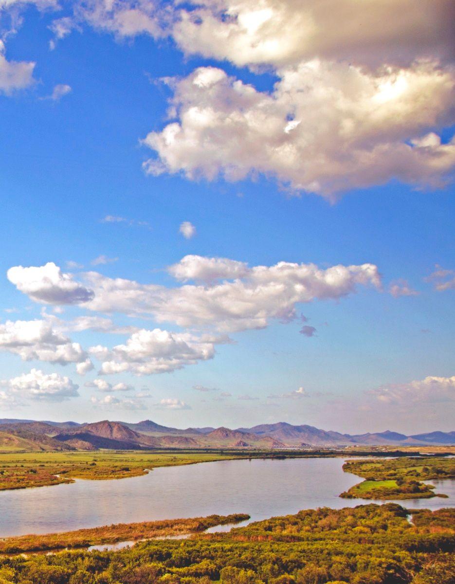 Небо над рекой горы река небо облака лето бурятия