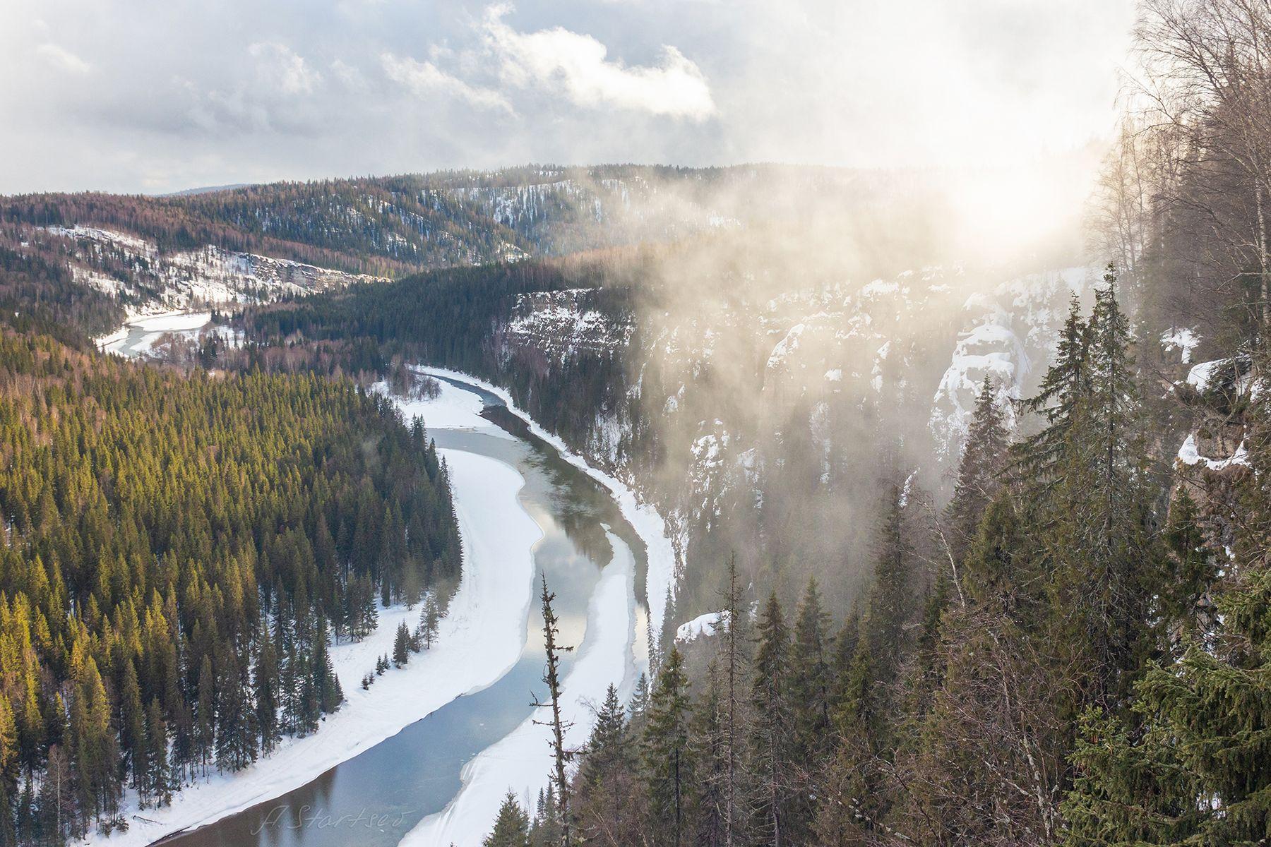 Туман над Усьвой зима снег река Усьва скала пейзаж природа Урал лес панорама туризм Пермский_край туман