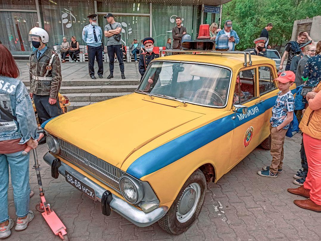 Милицейский москвич милиция москвич