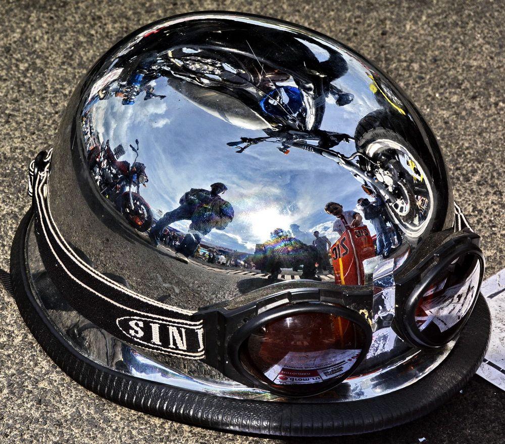 Зеркальный мотошлем Шлем зеркало Байкеры мотовстреча асфальт