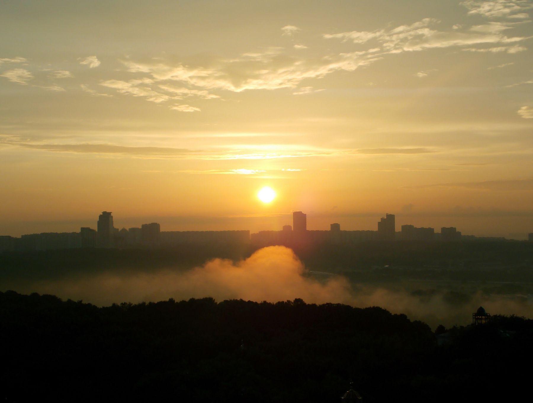 туманный закат над Крылатским Крылатское Москва-река Суворовский парк туман закат