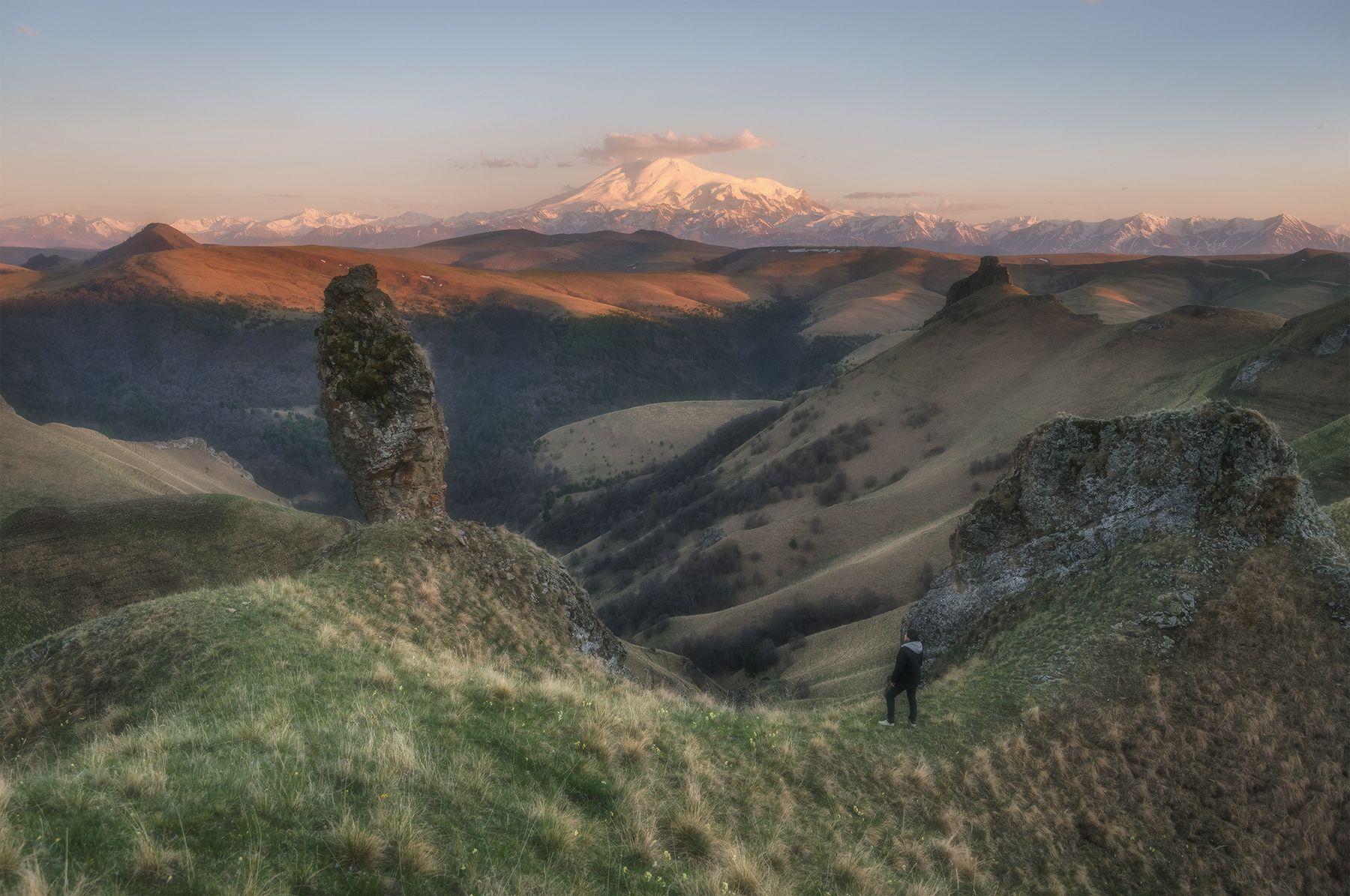 Весна в приэльбрусье Северный кавказ карачаево-черкесия эльбрус закат май