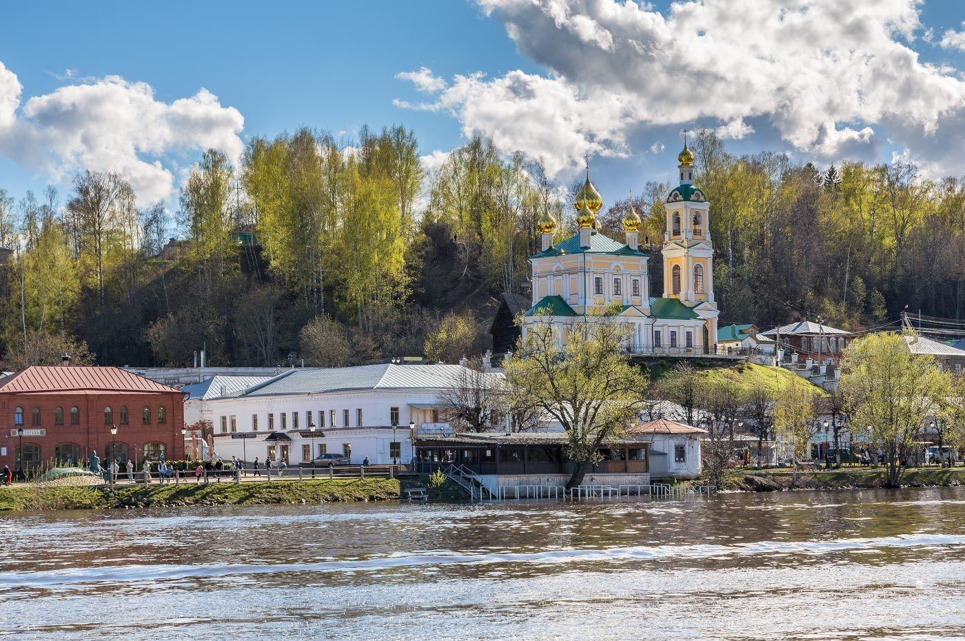 Весенний Плёс... старина церковь храм небо река весна Волга Плёс