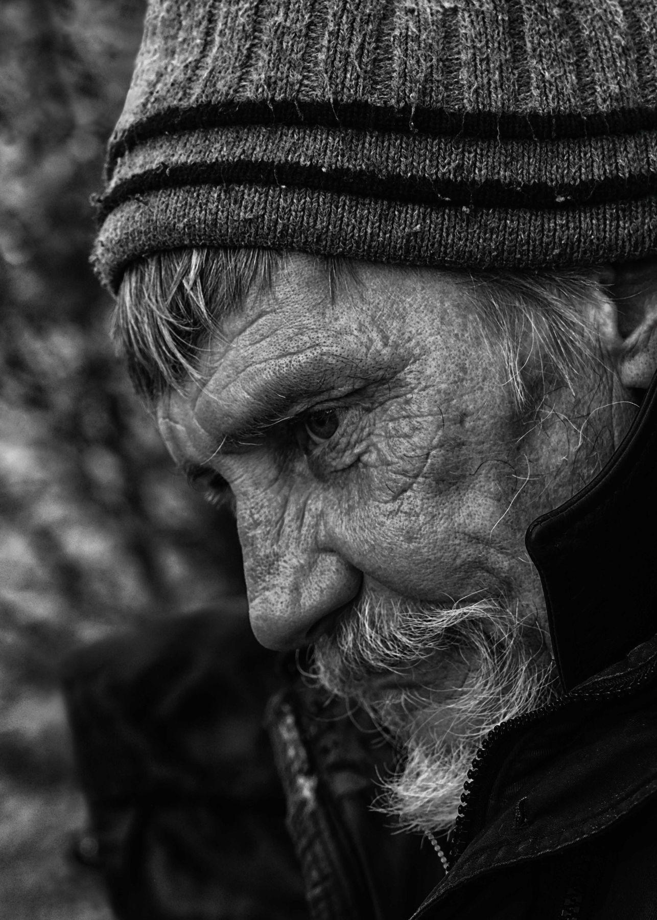 Дитхард живущий на улице... Бездомные люди..