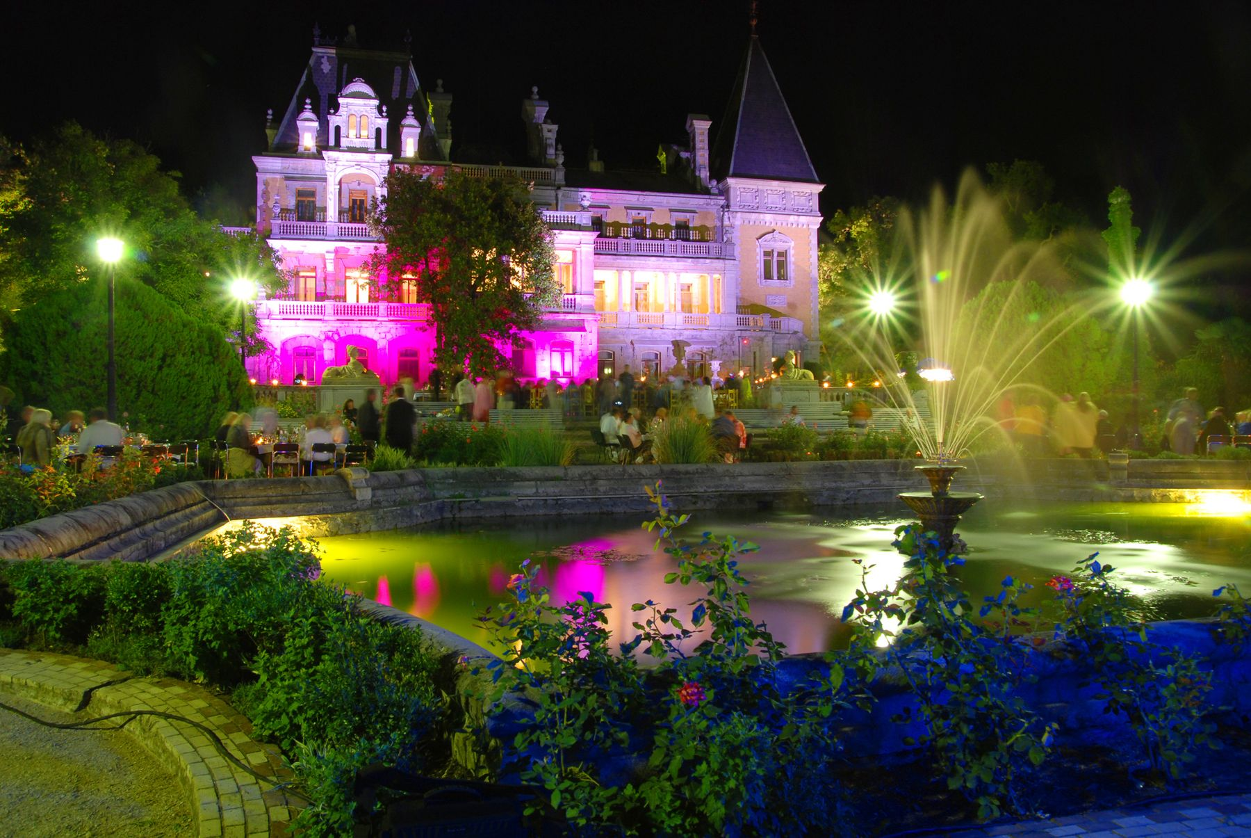 Массандровский дворец Массандра Массандровский дворец Царь Александр III Ялта Крым Романовы ночная