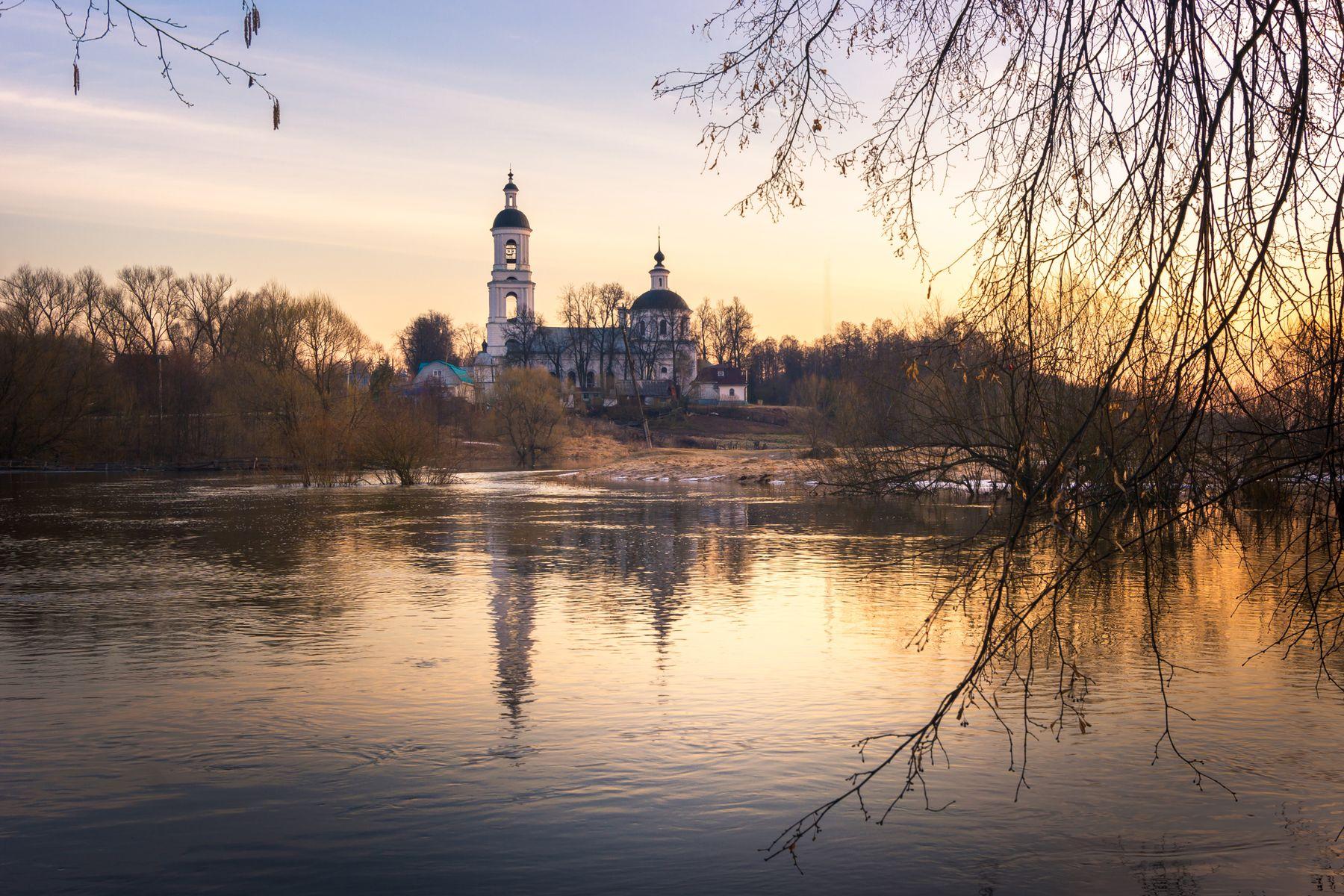 Половодье на р. Шерна рассвет пейзаж река утро весна заря