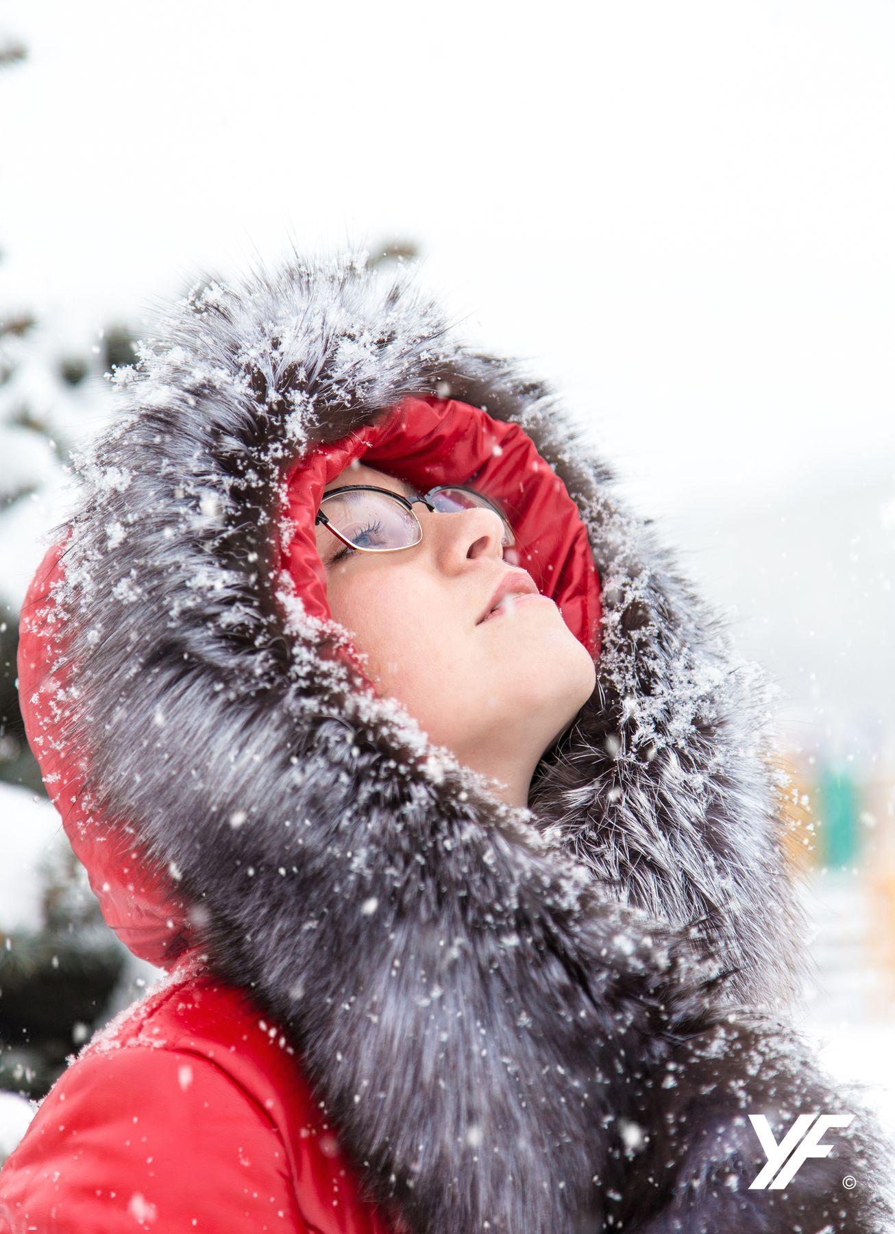 Зима снег зима портрет девушка мех