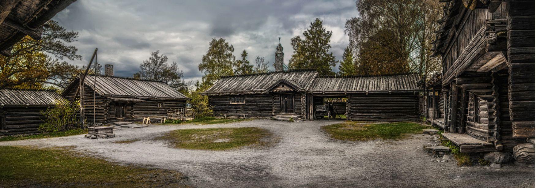 ***Дворик крестьянина в Швеции.Музей под открытым небом Скансен.Стокгольм.
