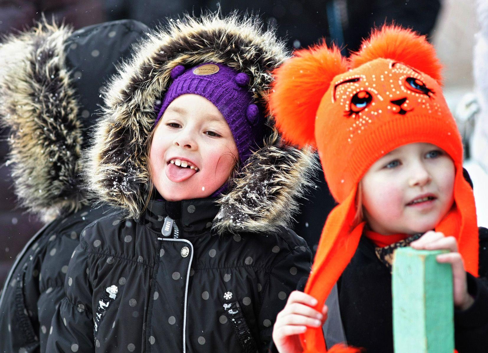 Зимний аттракцион: поймай снежинку на язык!