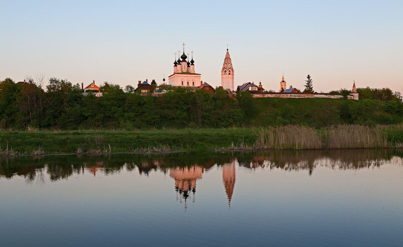 Вечерний Суздаль город суздаль монастырь храм церковь отражение закат весна май