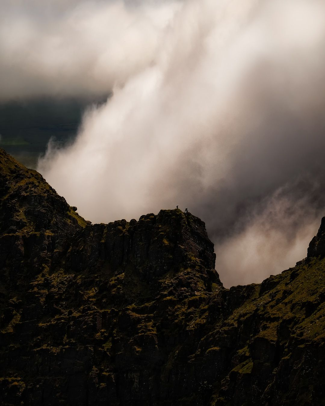 ...on the Ridge... alpinism mountaineering alpinismo climbing mountain ridge range sharp weather storm challenging ireland kerry brandon faha clouds cloudscape fog mist haze amazing breathtaking picturesque awe europe from above slopes hills