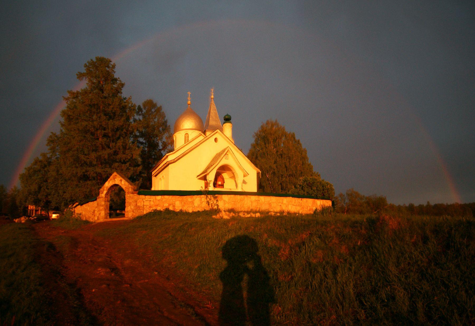 После ливня Бехово Церковь Святой Троицы