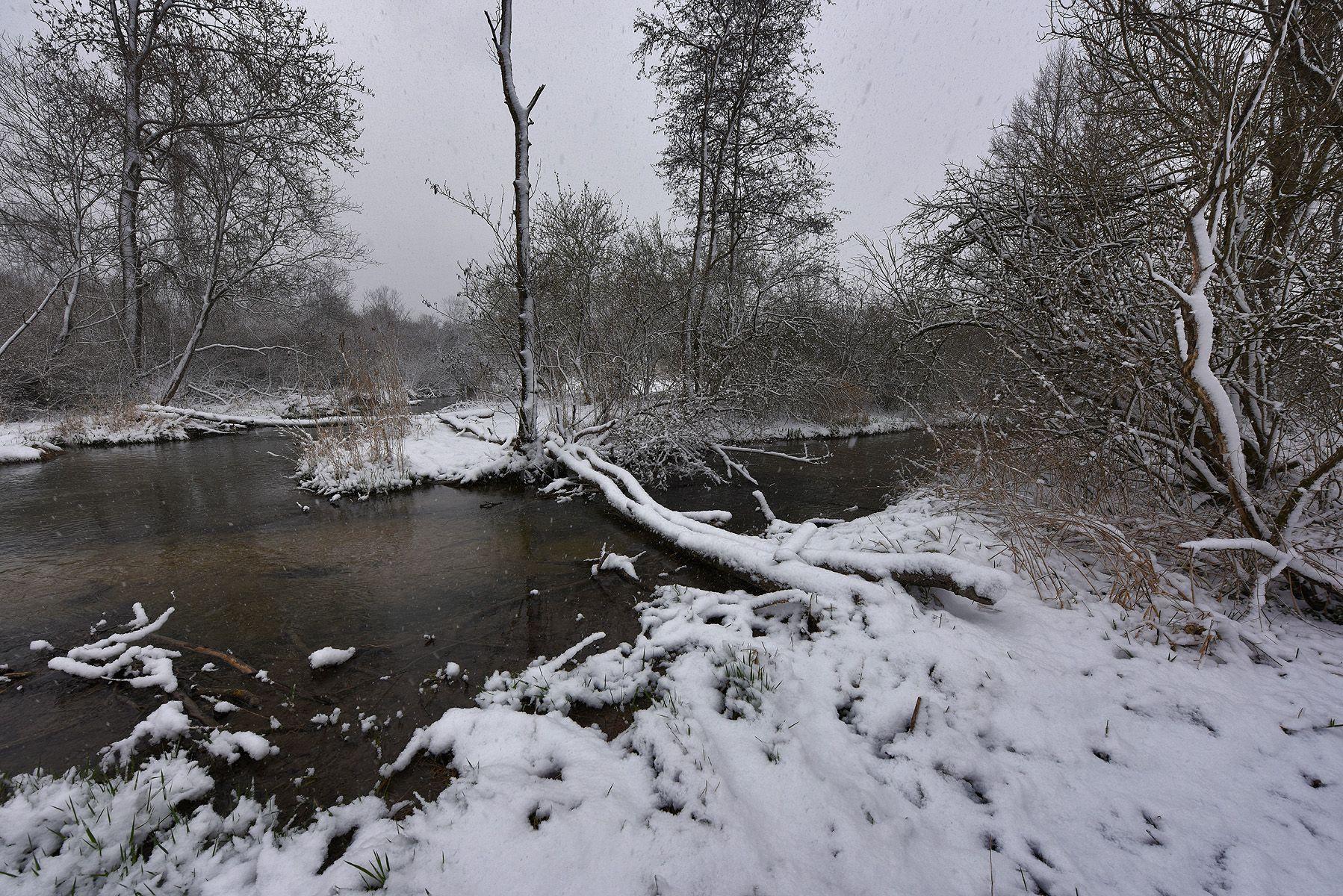 Зимняя графика_6 утро ручей снег