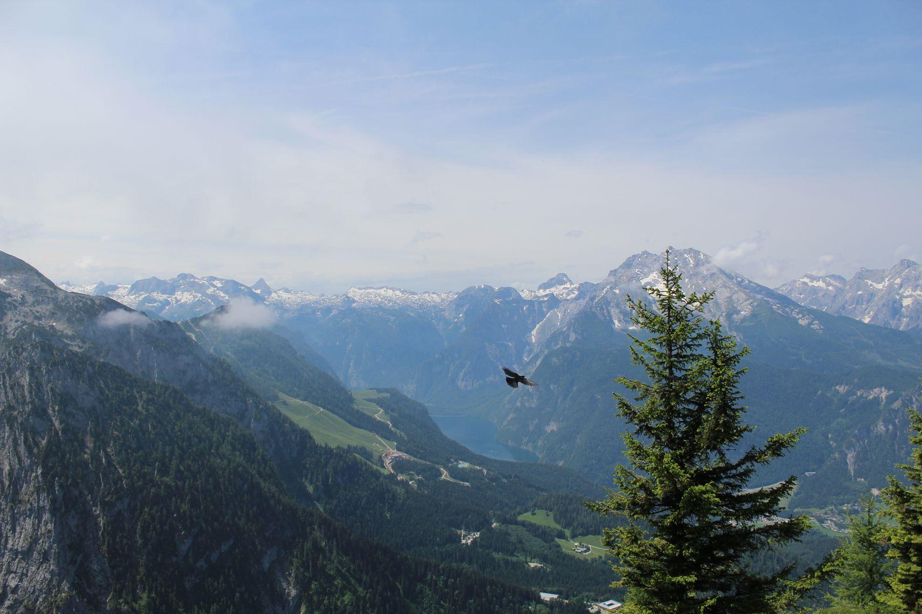 Вид на национальный парк Берхтесгаден природа горы озеро