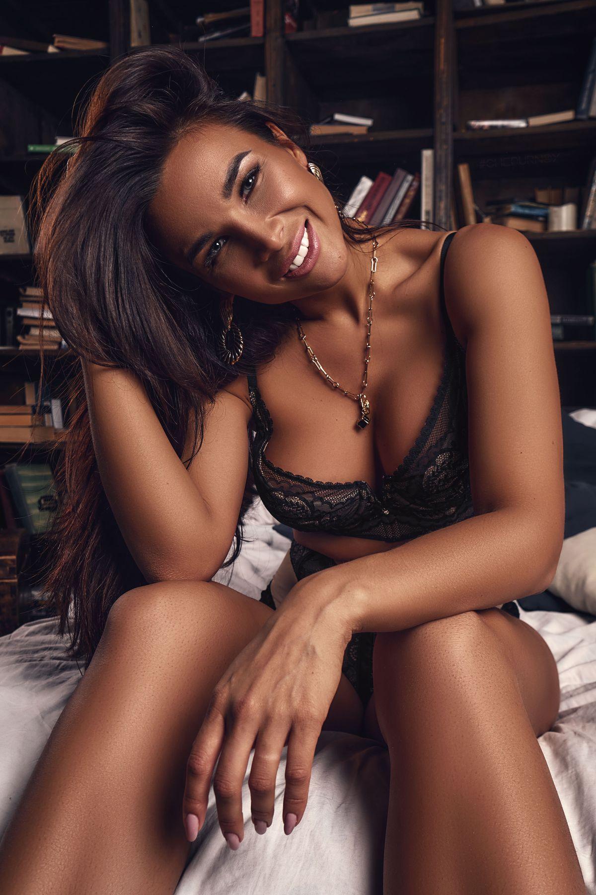 Albina girl girls woman portrait lingerie девушки красивая