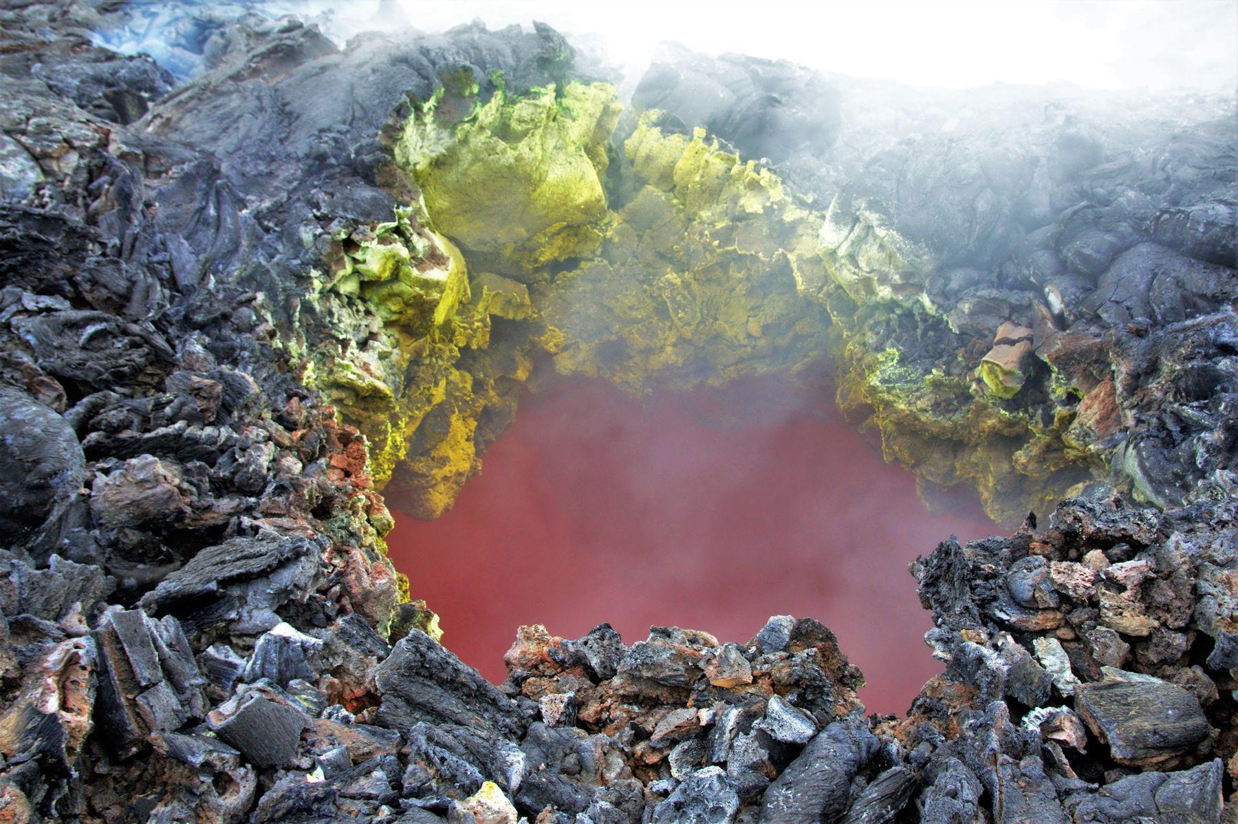 Окно в преисподнюю Вулкан лава извержение Камчатка Плоский Толбачик преисподняя ад