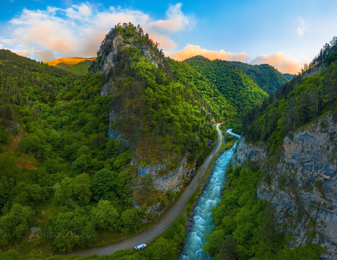 Новый мир Горы гора в горах облака Северный Кавказ вершины скалы река горная скалистое ущелье дорога путешествие туризм исследование закат машина лес лесное