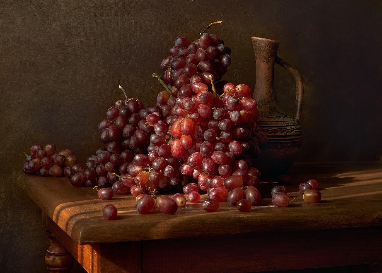 Солнцем залитый натюрморт виноград