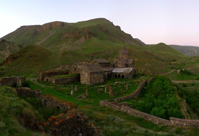 Монастырь Воротнаванк, XI в. Воротнаванк, Армения