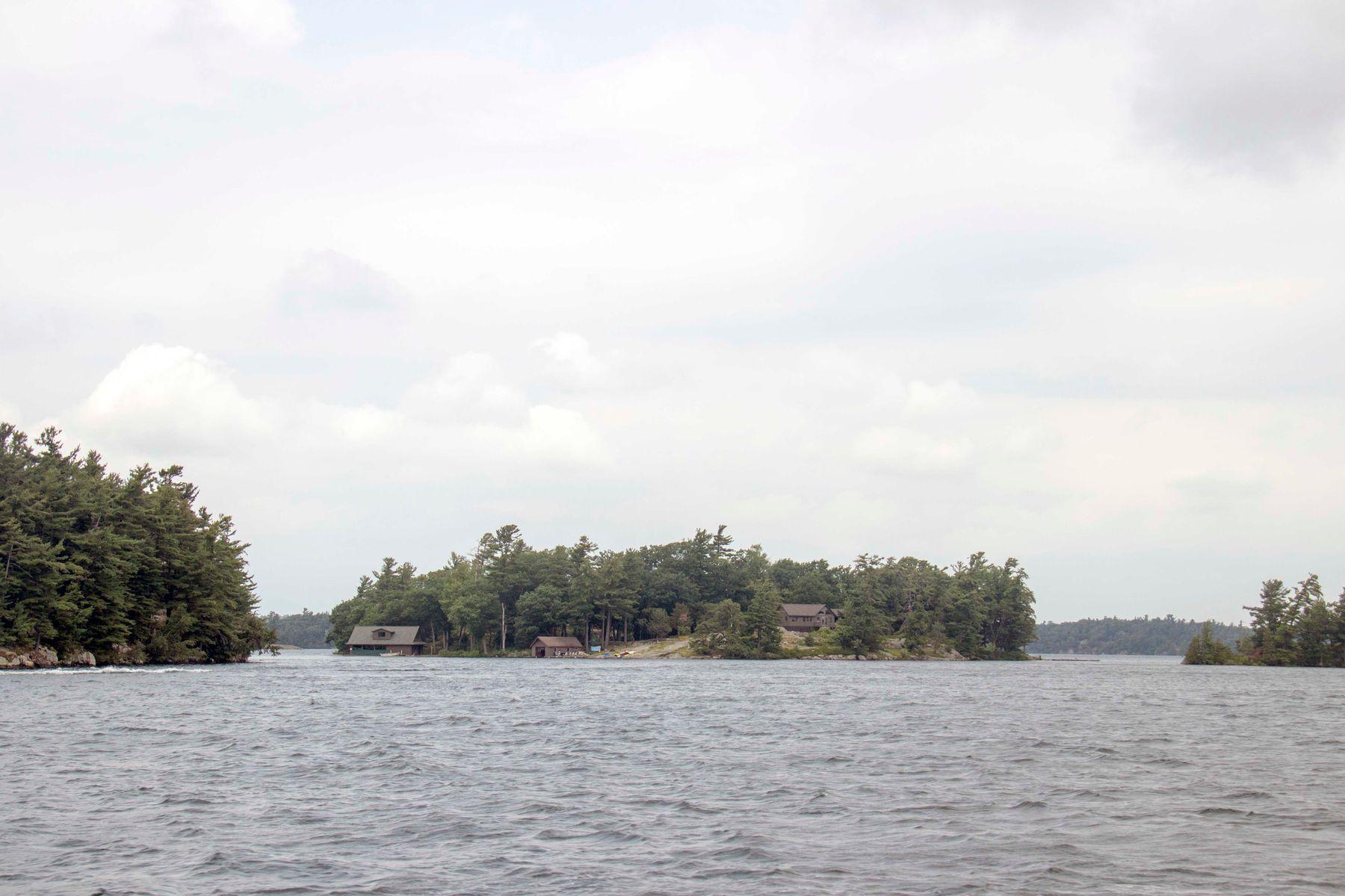 *** 1000 Островов
