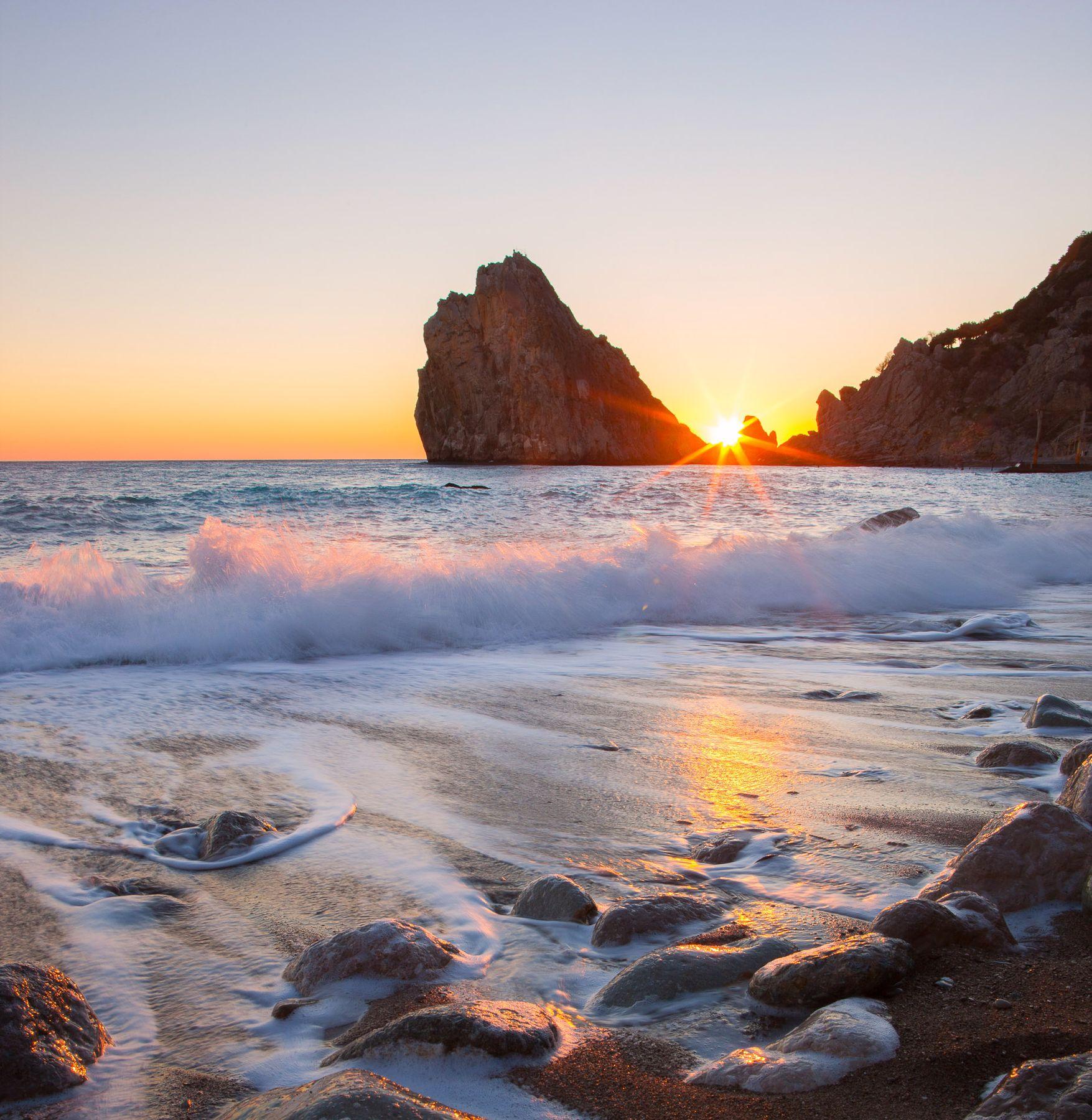 Скала Дива Симеиз Скала Дива Ялта Крым Черное море волна пляж шторм фотограф