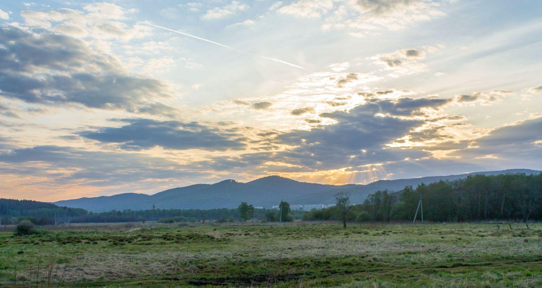 Восход над Ильменским хребтом. Южный Урал Миасс утро