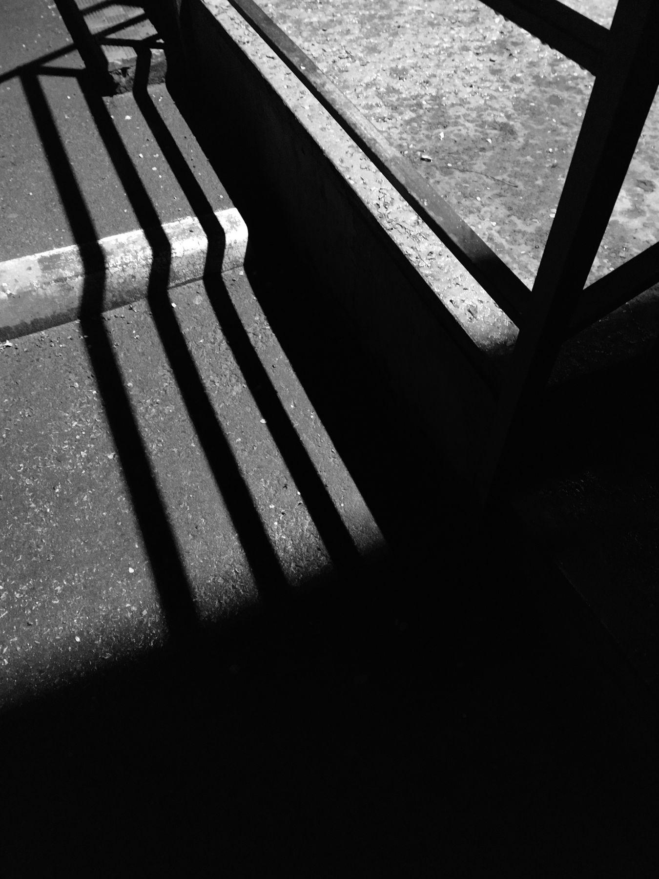 ** Тени уличные тени улица уличная графика чб
