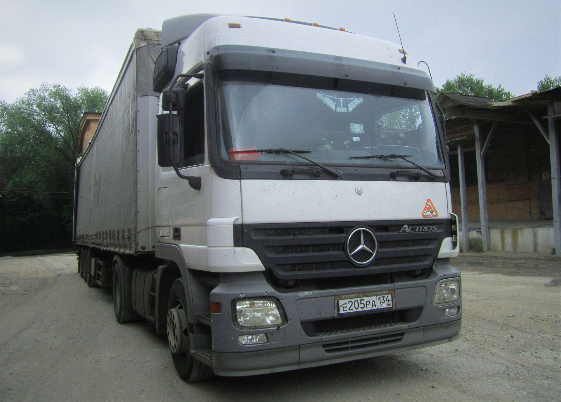 ACTROS Мерседес авто тягач завод лето