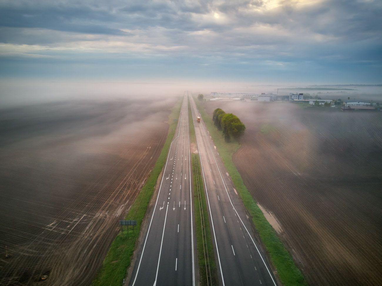 Уходя в туман Беларусь Весна Дождь Дорога Май Рассвет Туман Утро
