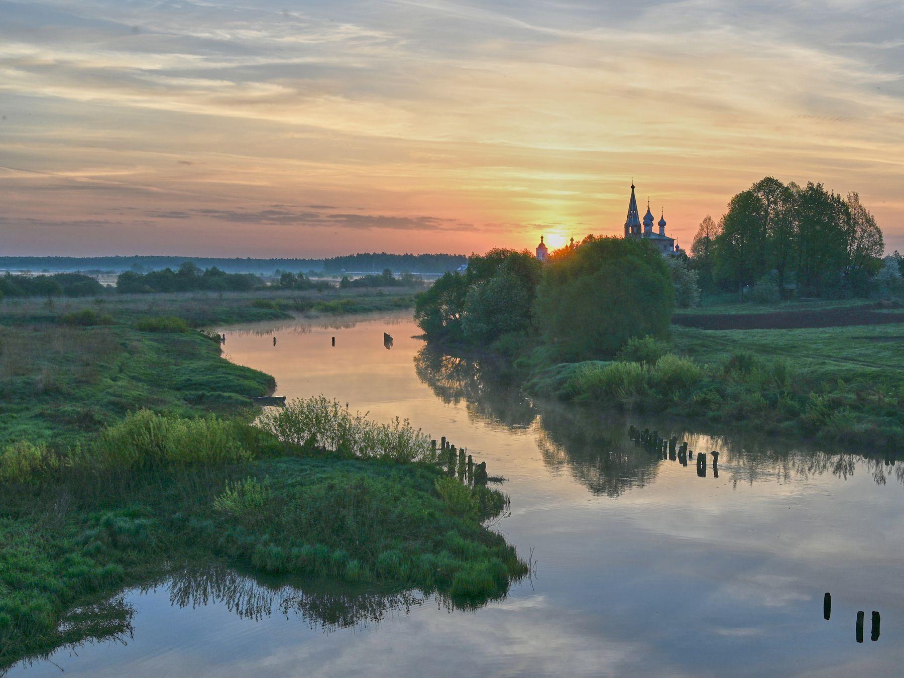 Восход на Тезе река восход Дунилово церковь