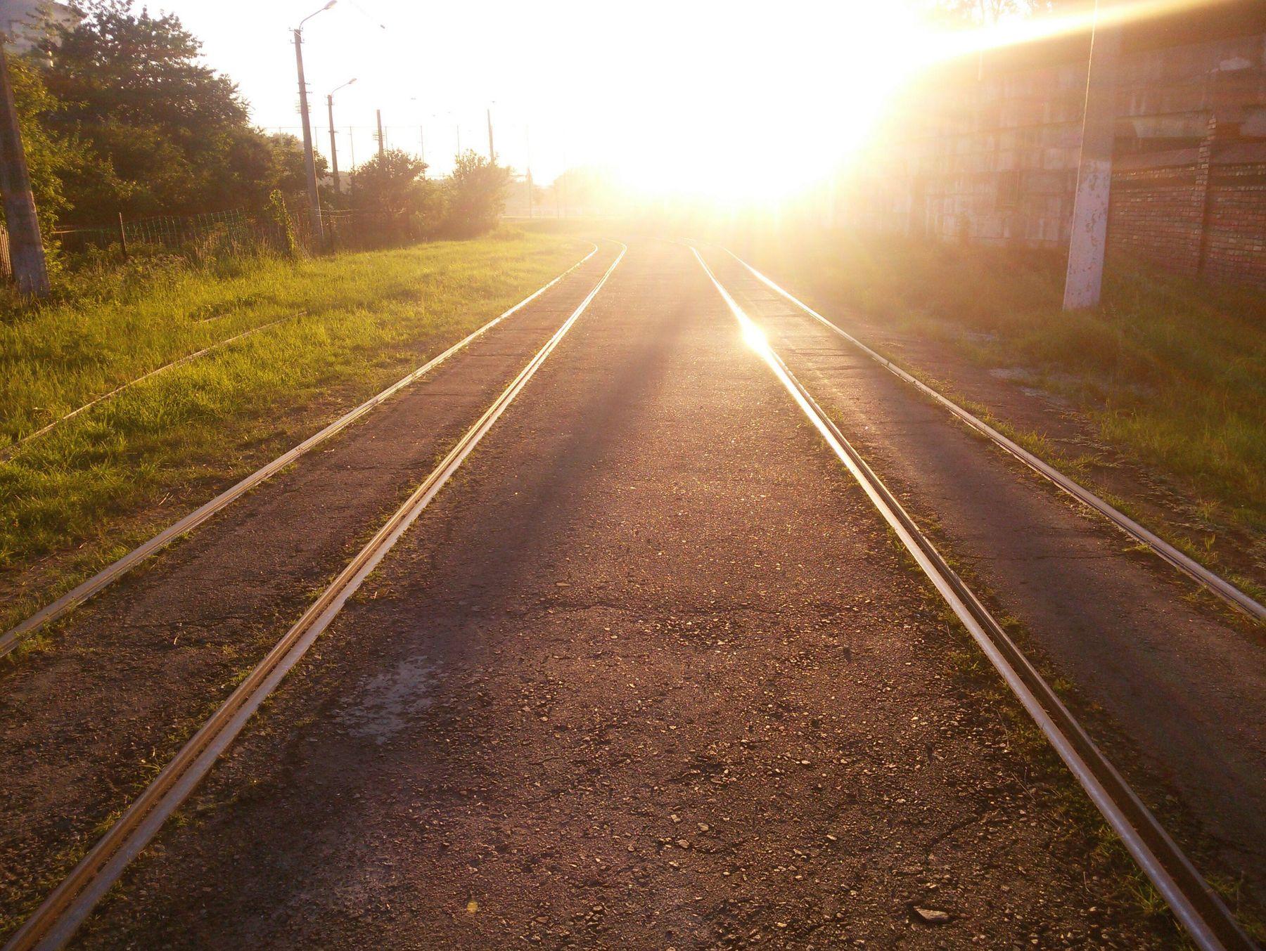 *** солнце закат дорога золотой час луч