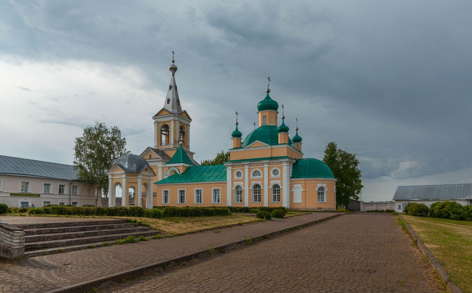 По Ленинградской области.
