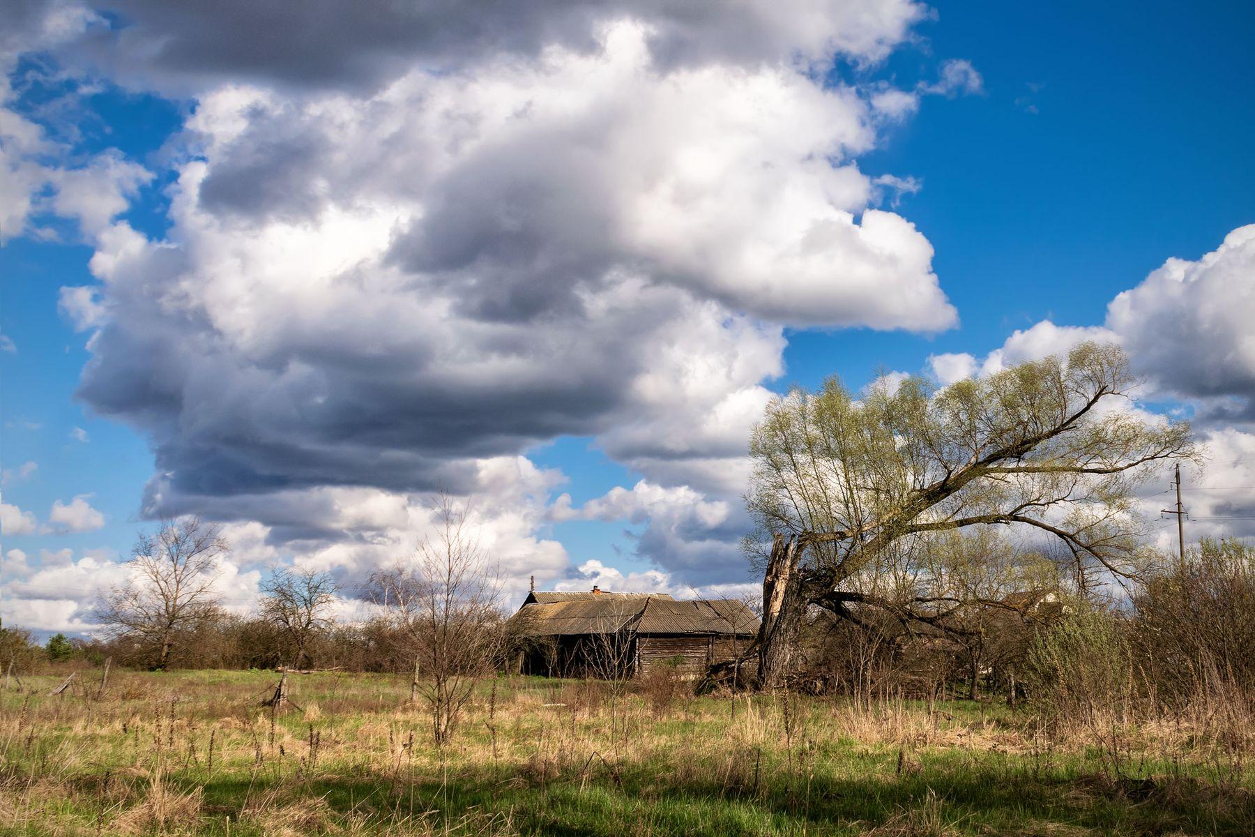Старый дом Старый дом небо весна облака
